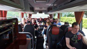 VCB 1 in de bus onderweg naar Tiel.